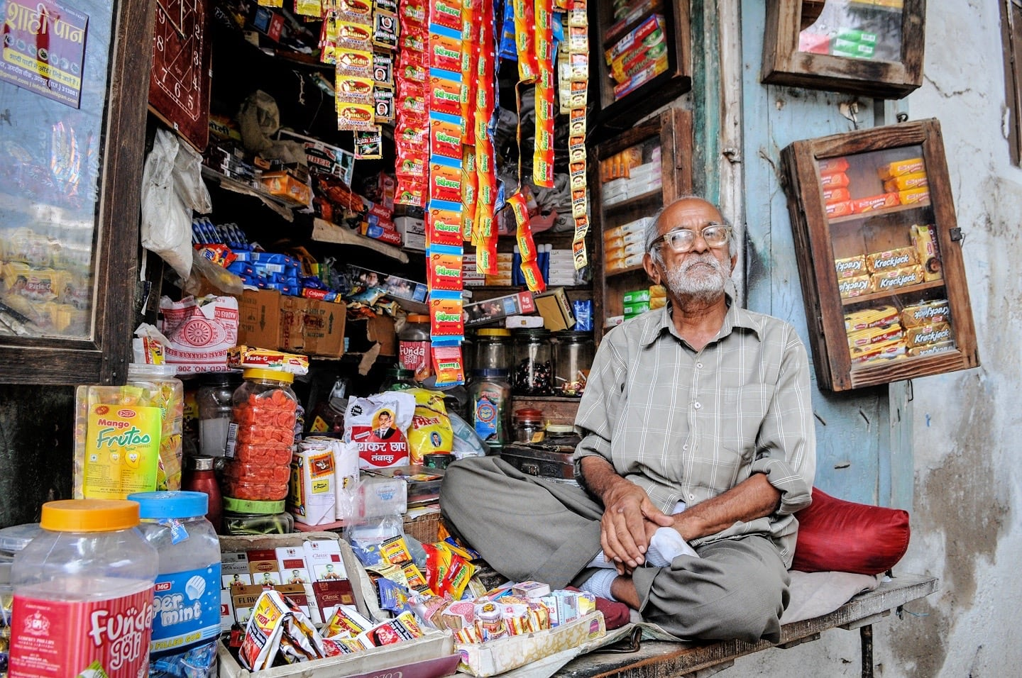 3 days in udaipur shopkeeper