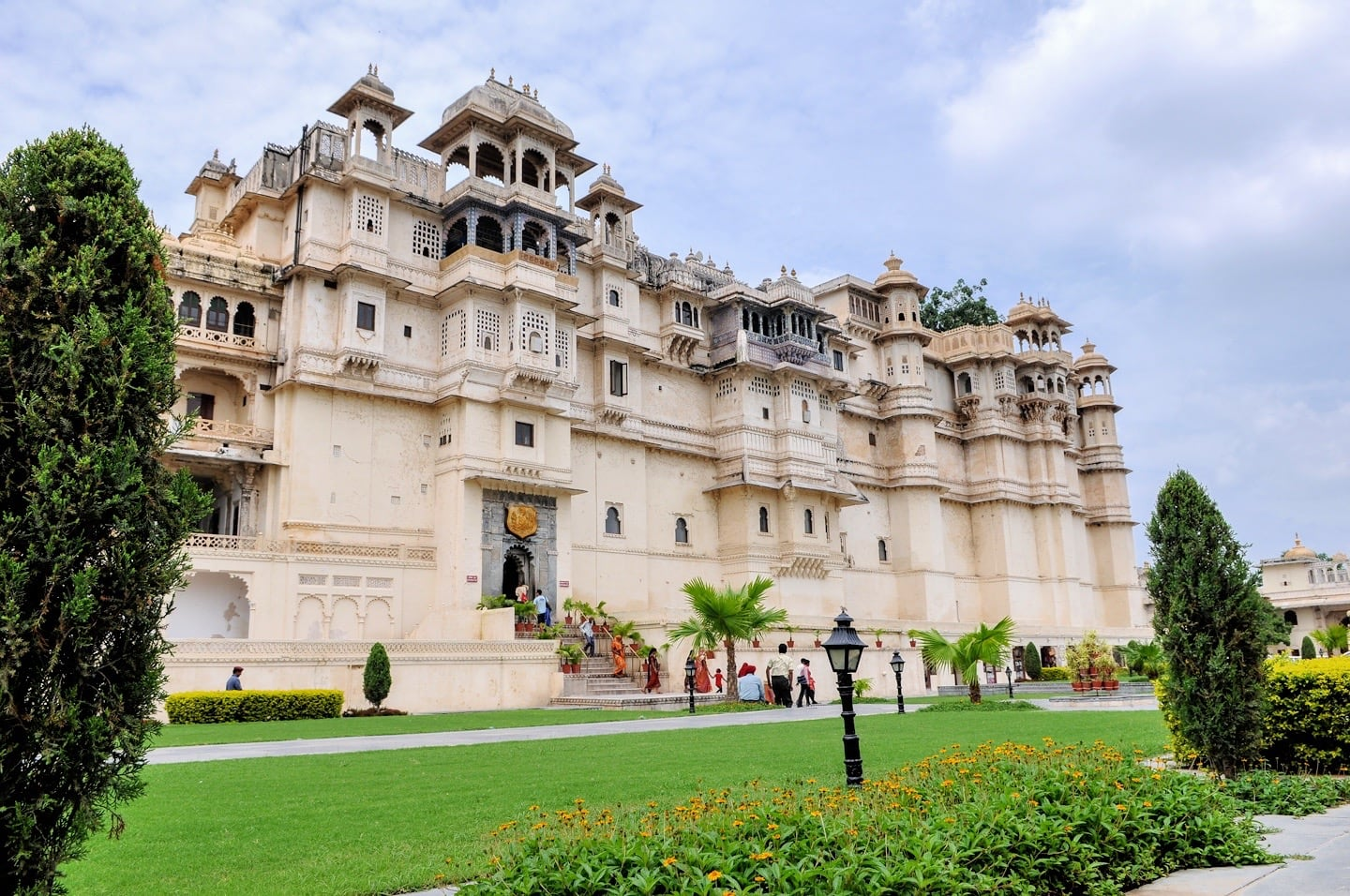places to visit in udaipur in 3 days city palace