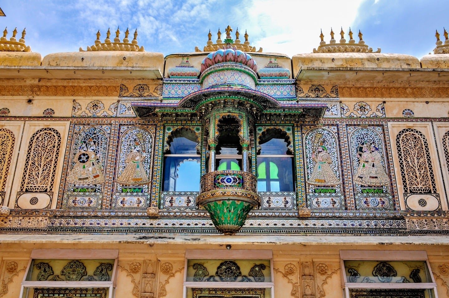 udaipur city palace places to visit