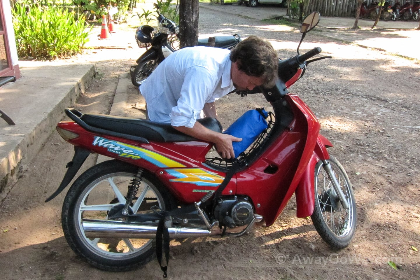 packing motorbike for thakhek loop laos
