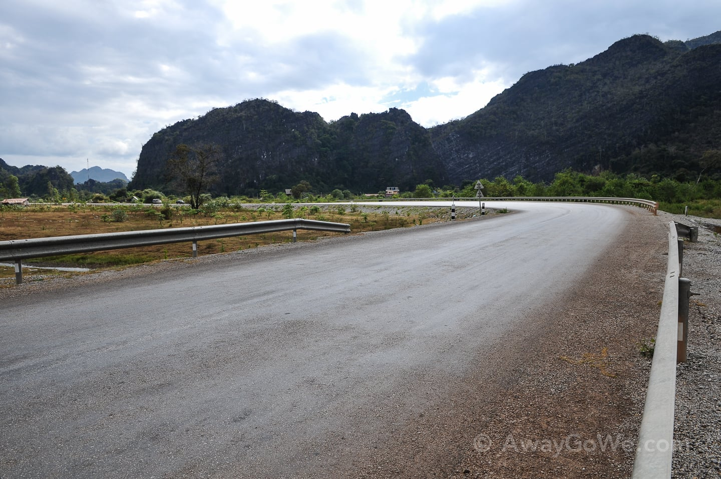 paved section of thakhek loop route