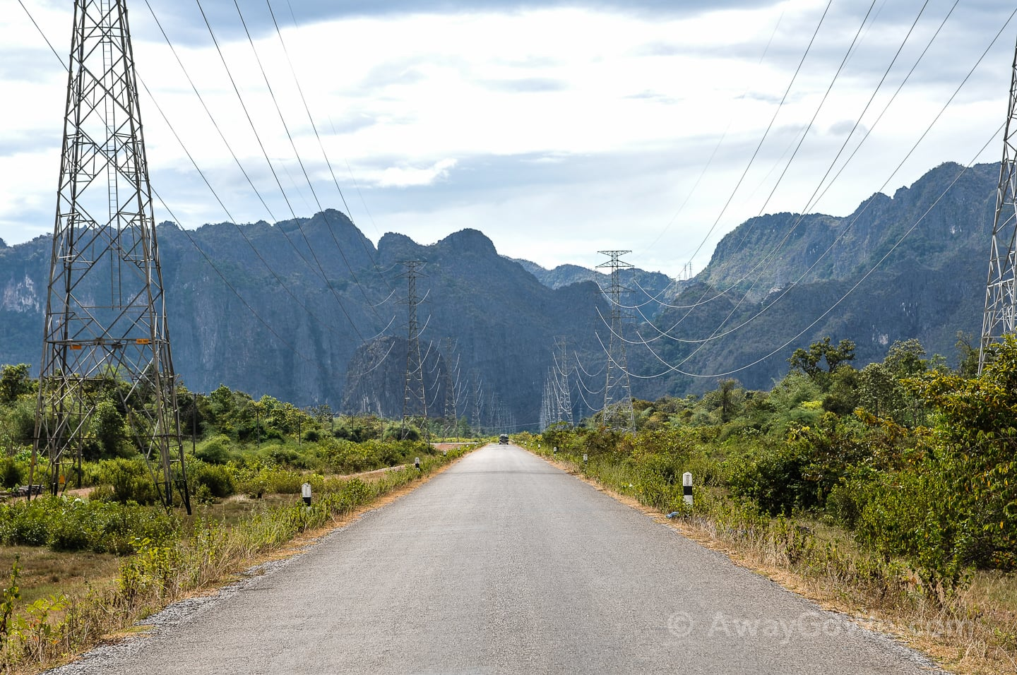 road to Konglor Village Thakhek Loop