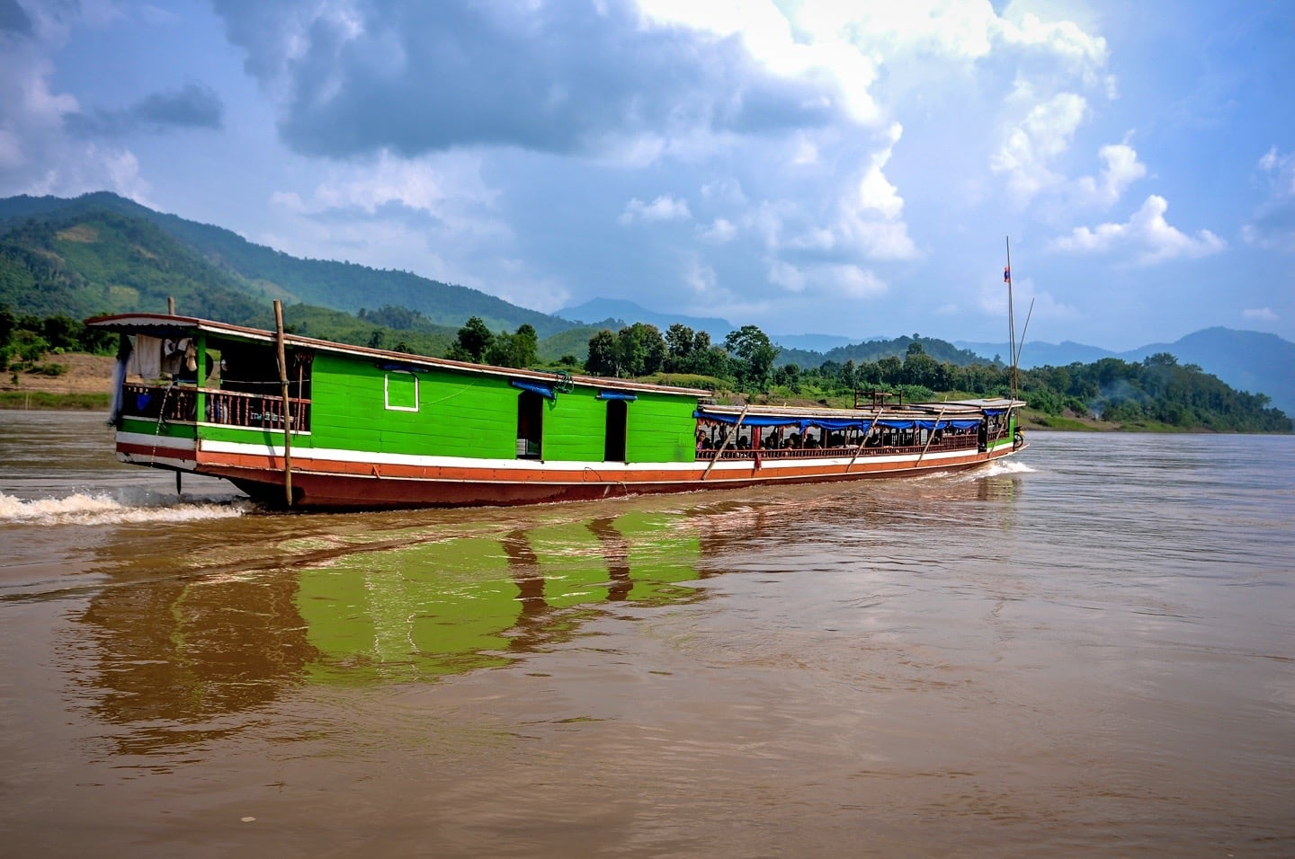 slow boat from thailand to luang prabang