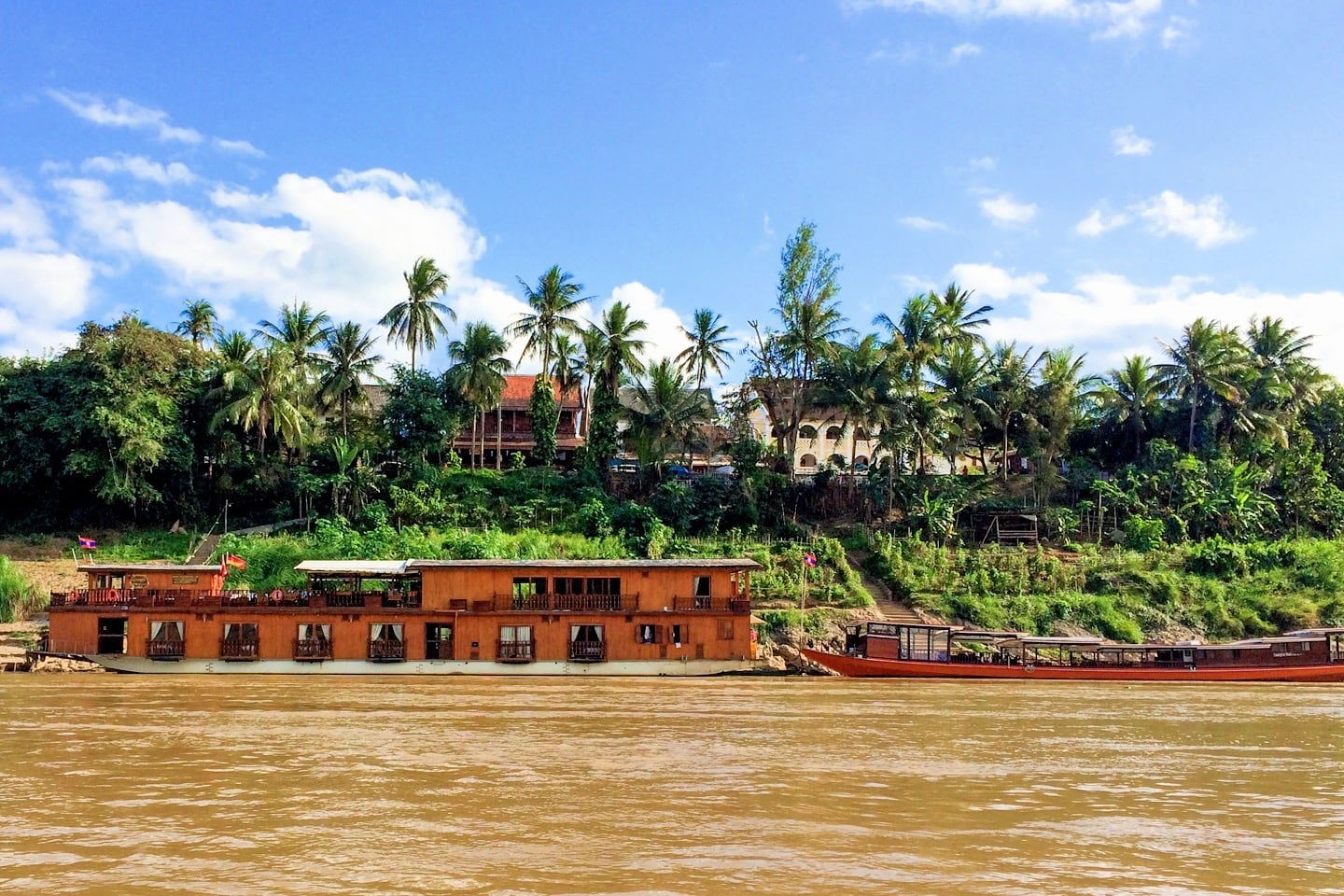 slow boat to luang prabang laos