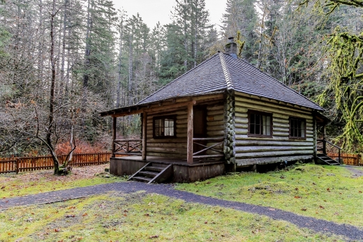 Olympic Peninsula: Historic Interrorem Cabin