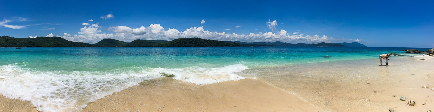 beach on Pandan Pandan Island (Borneo)