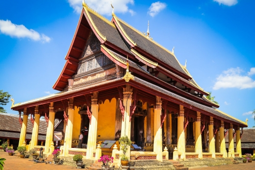 Vientiane DOs & DON'Ts