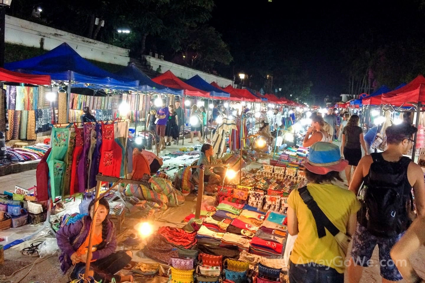 reasons to visit laos markets