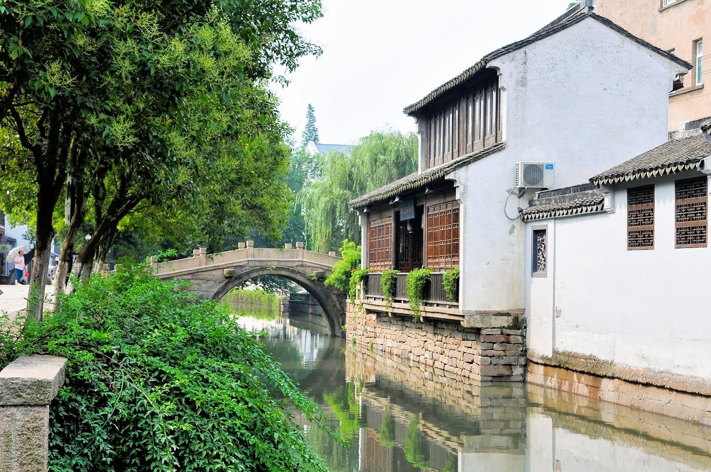 things to do in suzhou old town canals water town