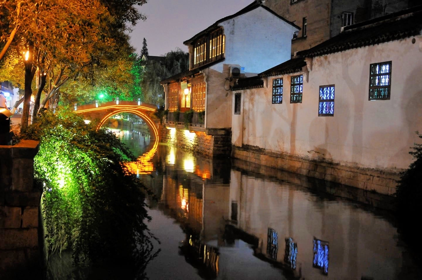 things to do in suzhou old town pingjiang night