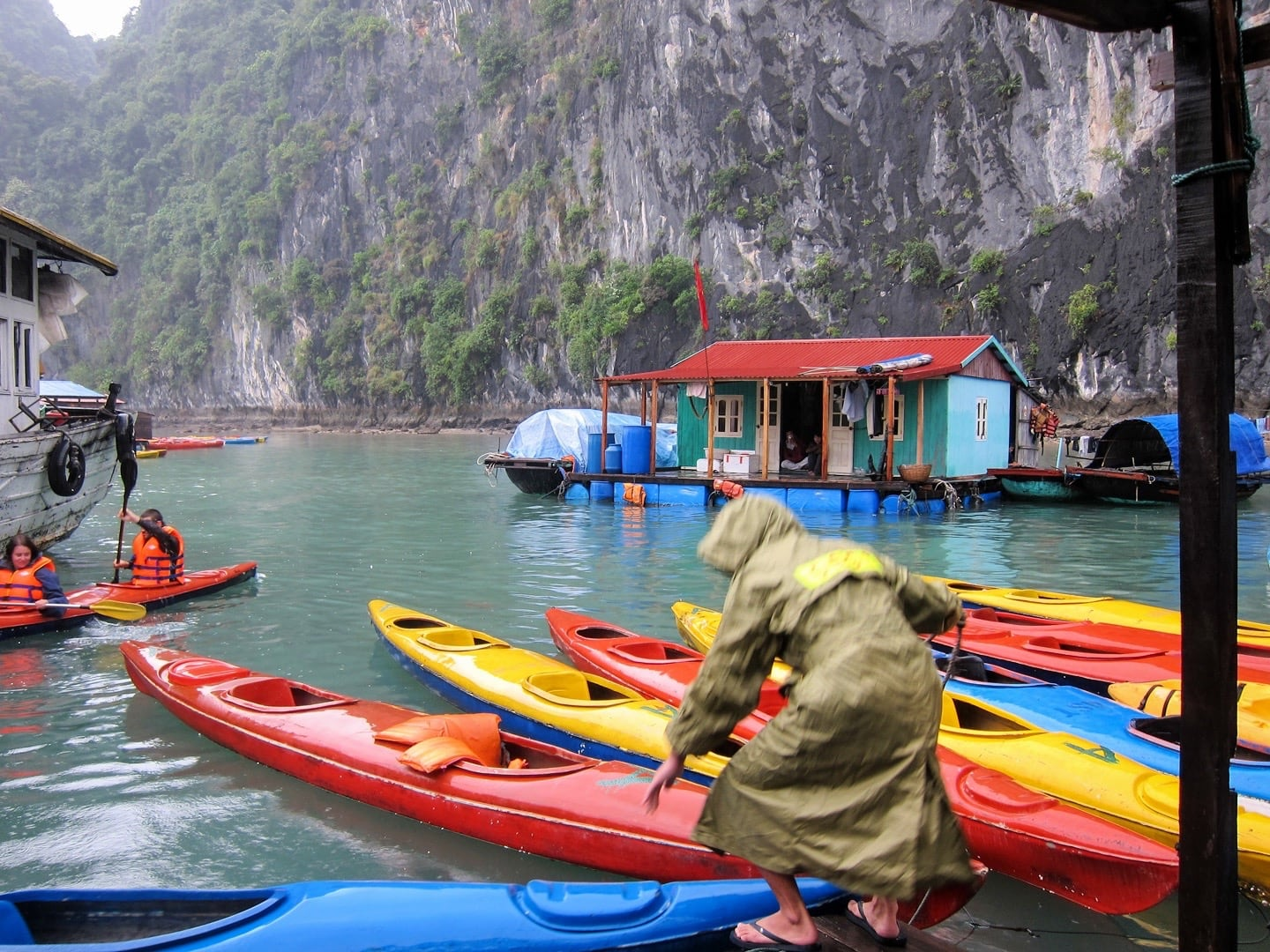 halong bay 3 day cruise kayaking