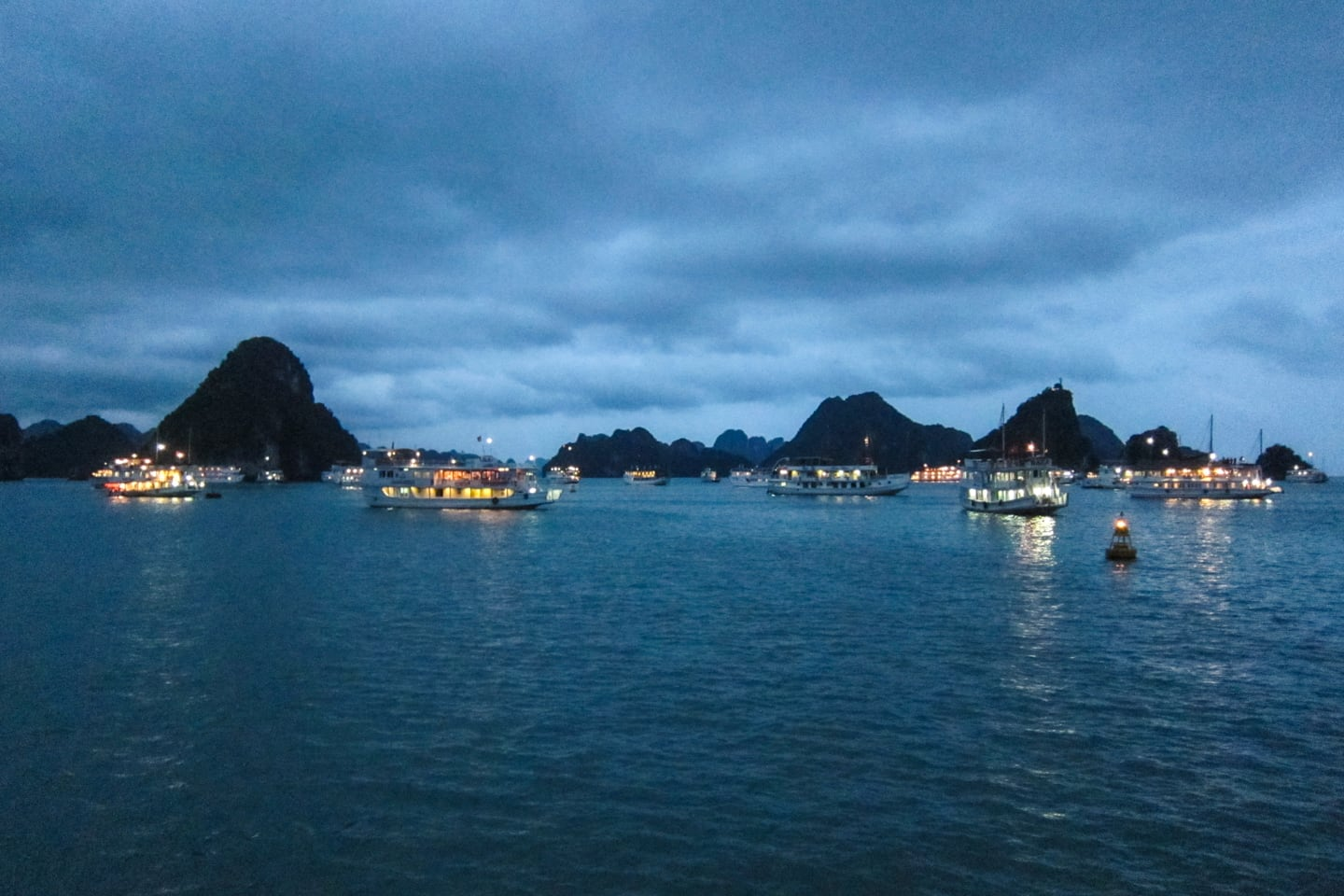 halong bay 3 day cruise at anchor in evening
