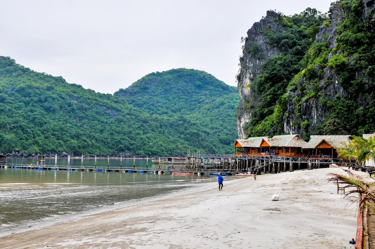 cat ba sandy beach resort halong bay