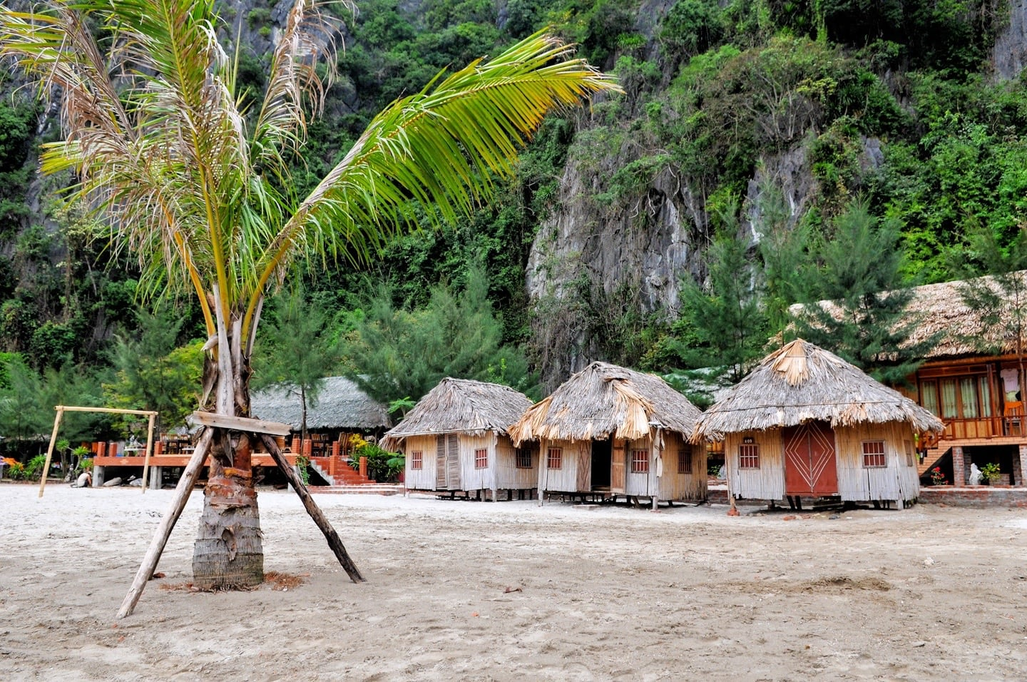 cat ba sandy beach resort bungalows vietnam