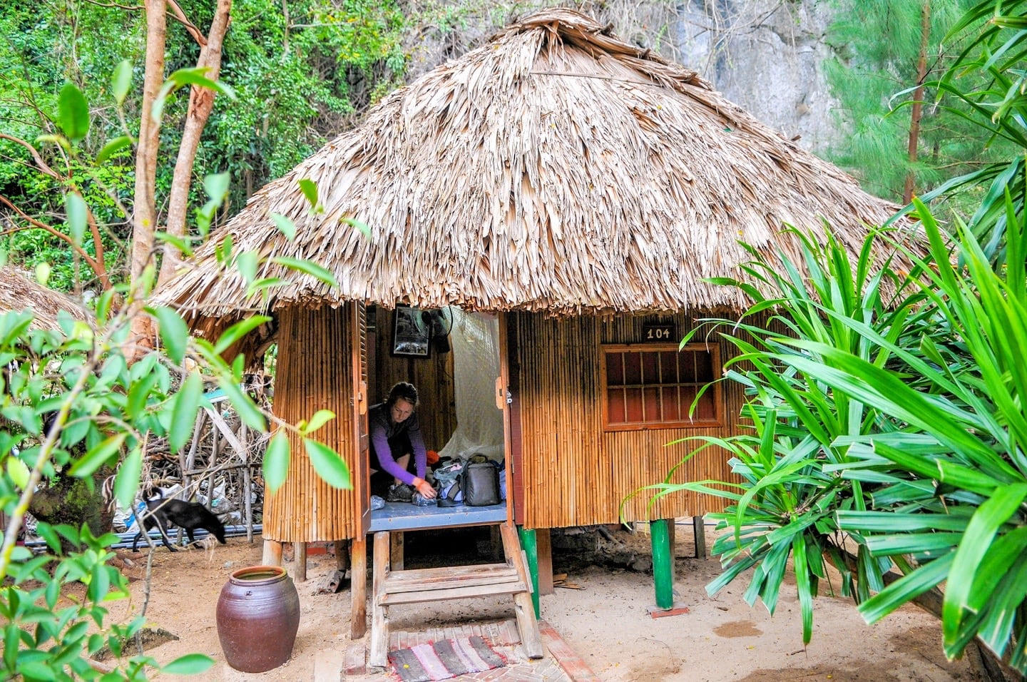 beach bungalow vietnam cat ba sandy beach resort