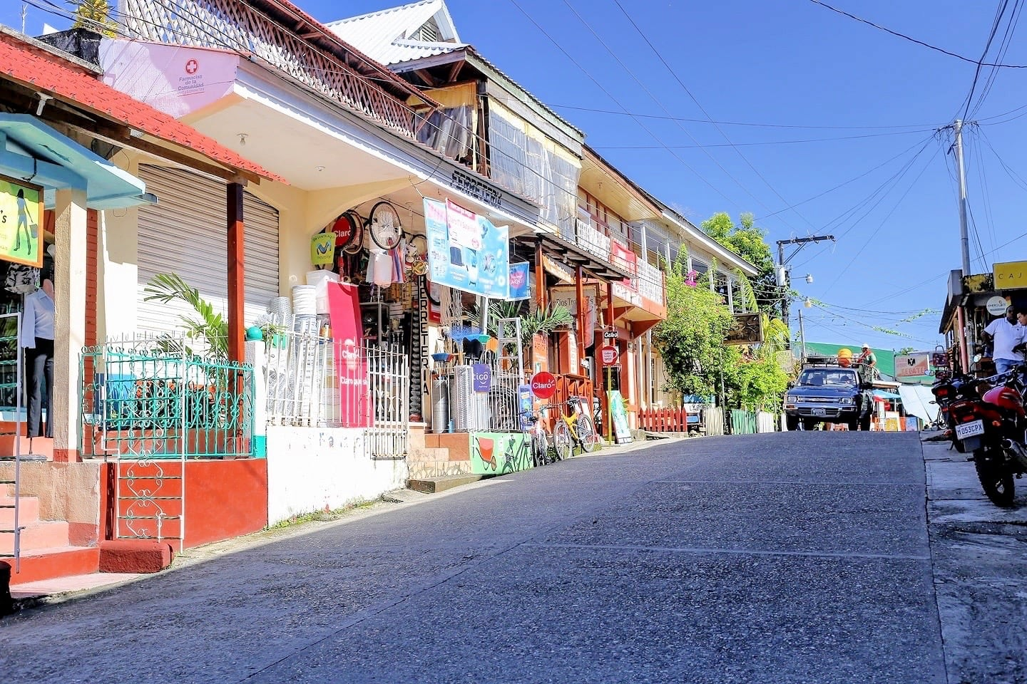 Calle Principal Livingston Guatemala things to do