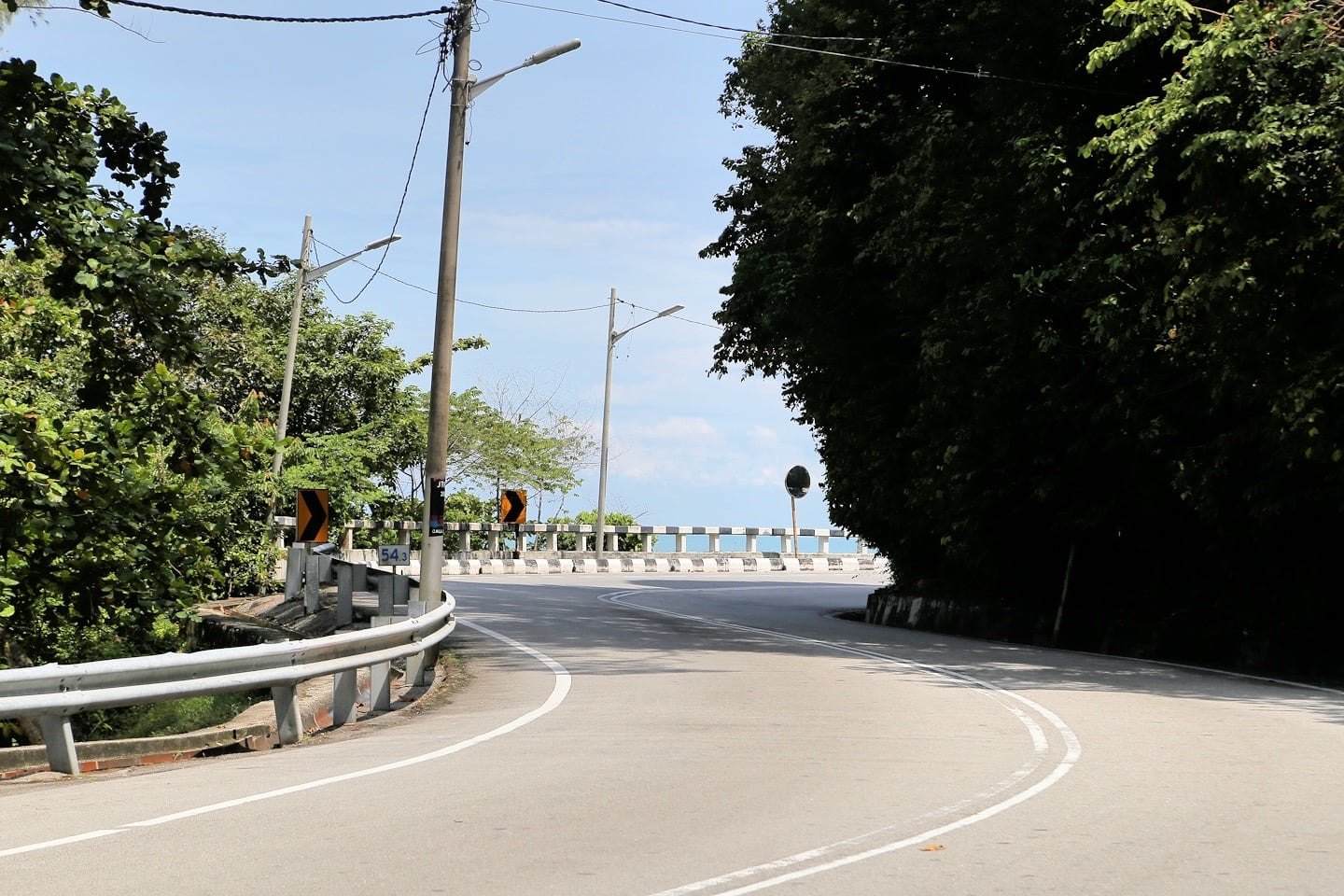 curvy road near Tropical Spice Garden Penang