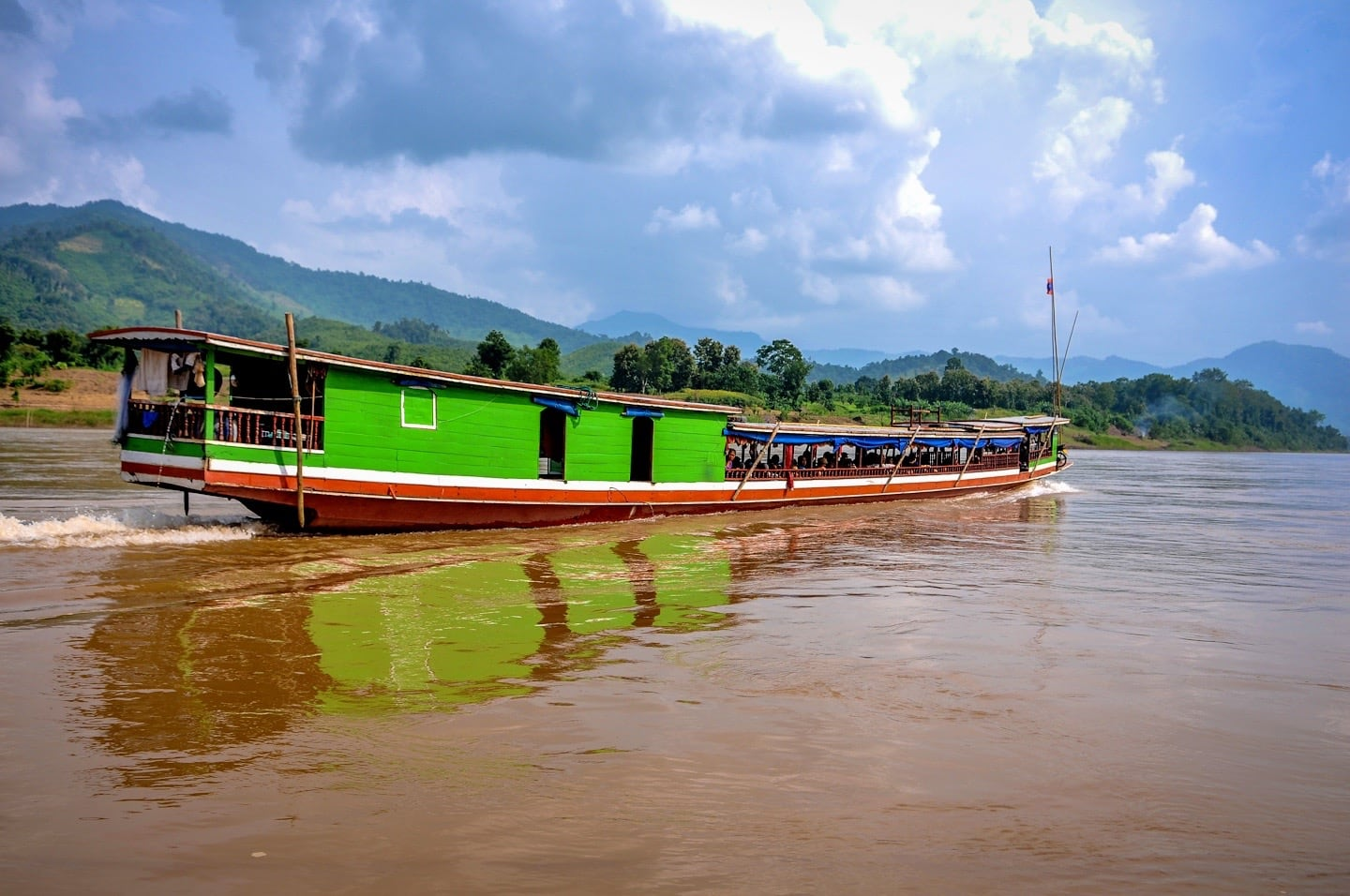 slow boat thailand to laos