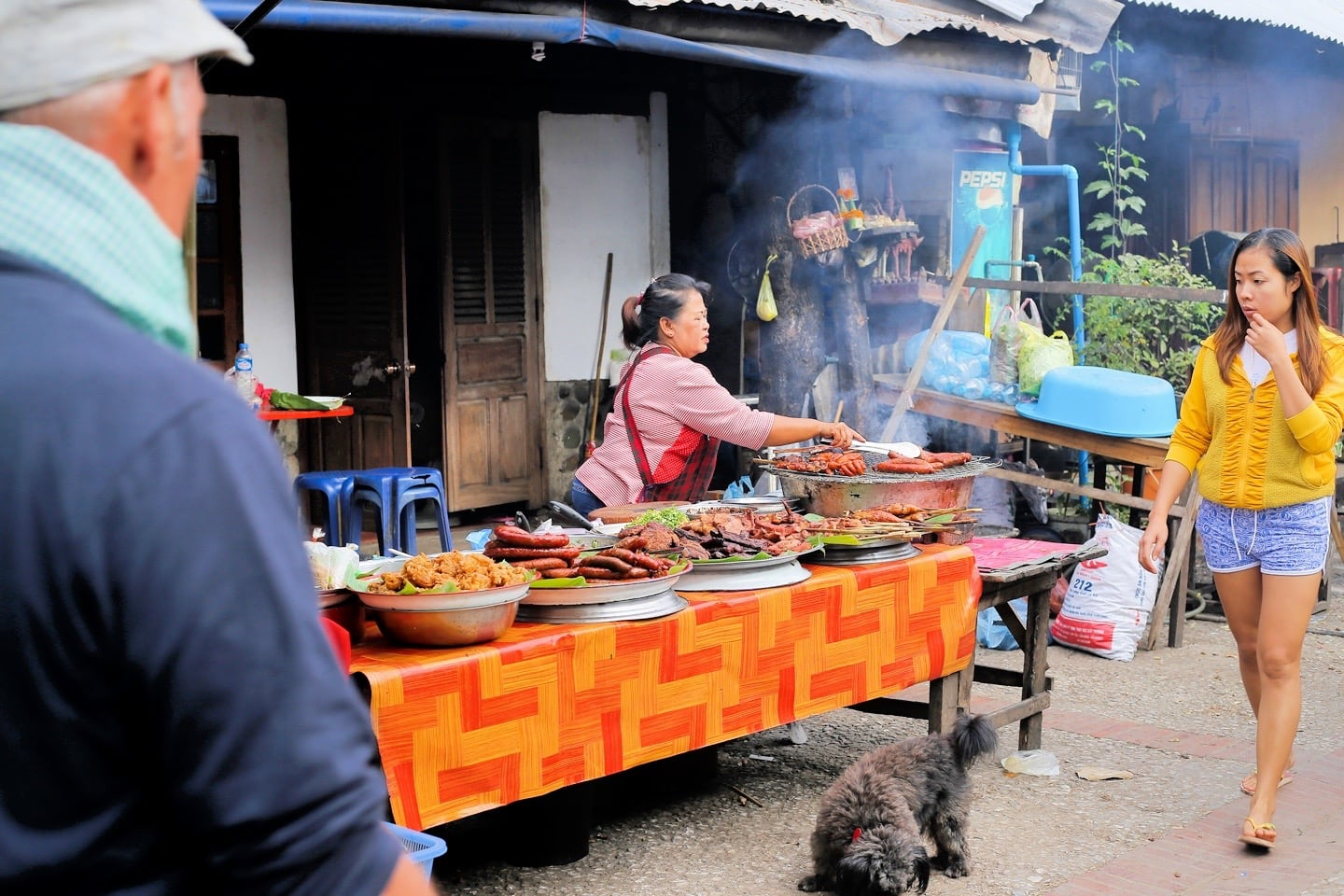 things to do in Luang Prabang morning market
