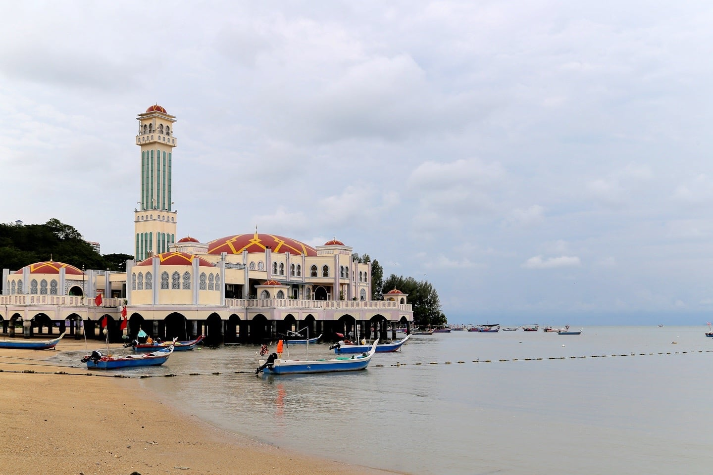 best things to do in Penang floating mosque