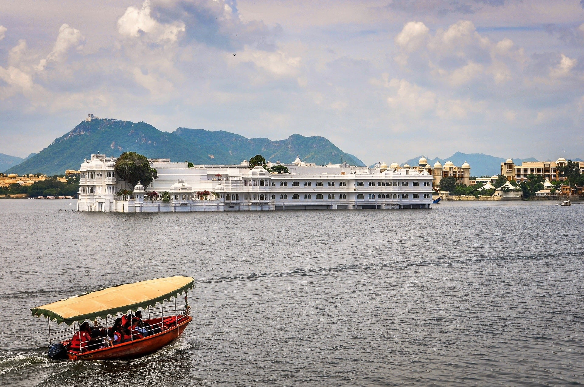 best hotels in Udaipur India 5 star